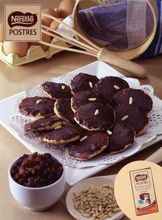 Galletas de pasas, piñones y chocolate