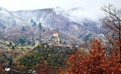 bigstock-Reichsburg-Castle-In-Cochem-G-45783730resize.jpg (1200×746)