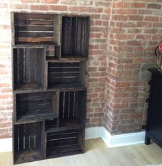 diy Wooden crates bookshelf that time i made a bookcase Home Crafts, Home Projects, Diy Home Decor, Pallet Projects, Creation Deco, Wood Crates, Deco Design, Pallet Furniture, Home Organization