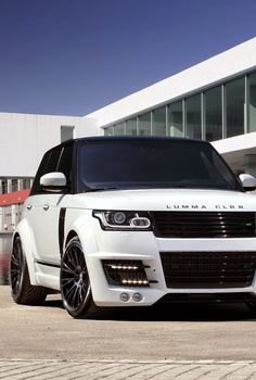 The World of Range Rover – 23 photos – Morably