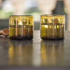 A Casa Bianca - Vaso Inca Amber  Esta colección de vidrio soplado representa tres siglos de artesanía Mallorquina. Cada vaso se realiza manualmente siguiendo técnicas ancestrales y manteniendo las impurezas que lo hacen irrepetible.