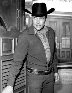 Dale Robertson--Tales of Wells Fargo 1963 Western Film, Western Movies, Hollywood Men, Hollywood Stars, Classic Tv, Classic Movies, Fargo Tv Series, Top Female Celebrities, Anthony Michael Hall