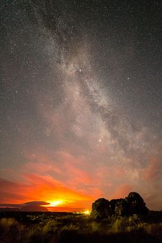 Bardarbunga Lights and the Milky Way by Djaaf on Flickr. September 16, 2014