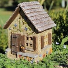 Pansy Place w/hinged door  Price $28.99
