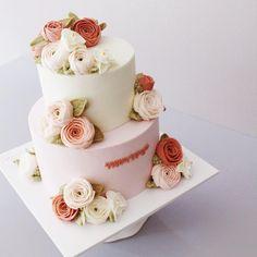 #flowercake #buttercream #wiltoncake