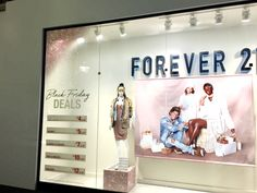Forever 21 - Window Display, Chicago - Dec. 2016
