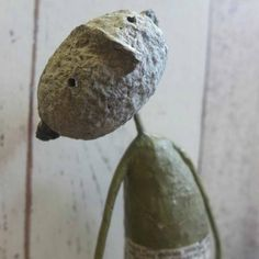 On me head son! Jane Strawbridge's work is unique, beautifully realised and often surprising. Paper Mache Sculpture, Ceramic Sculptures, Origami, Fun Arts And Crafts, Art Crafts, Paper Mache Crafts, Clay Figures, Paperclay, Wire Art