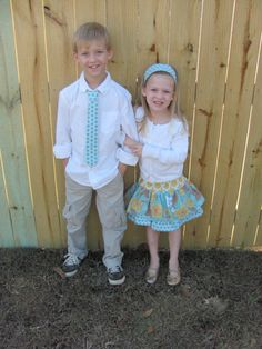 cute! matching kids clothes...