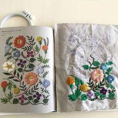 . .  Botanical garden ver. 14 colors Designed by @yumikohiguchi . 樋口愉美子さんの新刊を、大喜びで発売前に予約し、届いたのが3月。 . 子どもの春休み〜GWまで落ち着かず、ようやくスタートできました❤ . 指定糸は、ほぼ使用せず。 . 指定のウール糸をネットで見つけられなくて、 DMCタペストリーウール糸で代用。 その後、指定糸の通販を発見した時の切なさ...(笑 . その他は、 手持ちのアンティークのDMCコットンパール糸、 メキシコ?エジプト?と書いてある、IRISというメーカーのアンティーク糸を使用。 . チャコペーパーでトレースして、そのまま始めると、 刺繍枠をはめ替えたり、布にスッと触れるたびに、 下絵が薄くなって見えなくなり、苦悩すること数日。 . そうか、フリクションボールペンで描いてしまえ!(アイロンで消えるはず!) と、チャコの跡を、フリクションで全部なぞっちゃいました。 あーなんて見やすいんでしょう。 フリクションの開発者にお礼を言いたい(笑) 消えなかったらどうしよう .