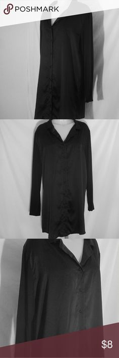 """Black Satin Lounging Sleep Shirt Sz XL Here's a nice looking black sleep shirt that is in good condition with only gentle wear. Button down front. Front panels have a satin feel and the back and sleeves are a knit material. Stated size is XL. Measurements are 24"""" chest, 20"""" shoulders, 23"""" waist, 32"""" length, 23"""" hips, 25"""" sleeve. All measurements are taken with the garment laying flat. Gilligan & O'Malley Intimates & Sleepwear Pajamas"""