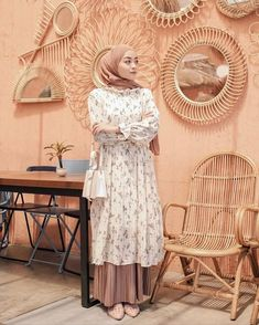 Modern Hijab Fashion, Street Hijab Fashion, Hijab Fashion Inspiration, Skirt Fashion, Women's Fashion, Stylish Hijab, Casual Hijab Outfit, Muslim Dress, Hijab Dress