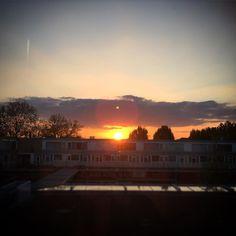 Beautiful sunset... #beautiful #sunset #sun #pretty #view #picoftheday #photooftheday #sky