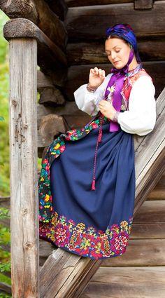 Folklore traditional costume with embroidery Folk Fashion, Ethnic Fashion, European Fashion, Ethno Style, Ethnic Dress, We Are The World, Folk Costume, Historical Clothing, Scandinavian Style