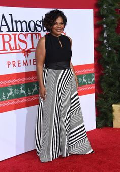 Oscar Winner Mo'Nique Slays The Red Carpet For The Almost Christmas Premiere