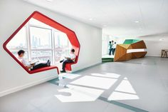 The Sheik Zayed Private Academy is designed to support different learning styles and 21st century educational skills. Rosan Bosch Studio has transformed the...