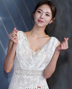 Chae Soobin, Young Women, Asian Woman, White Dress, Actresses, Lady, Beautiful, Fashion, Beautiful Women