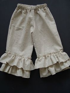 NOVA PIRATE IDEAS - Ruffle Pants tutorial and a tutorial for making the pants too if you don't have a pattern or an old pair of pants to cut off. Sewing Pants, Sewing Clothes, Doll Clothes, Sewing For Kids, Baby Sewing, Sew Baby, Clothing Patterns, Sewing Patterns, Sewing Tutorials