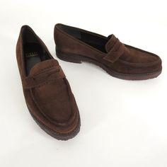 Stuart Weitzman 7 Brown Suede Penny Loafers Crepe Sole Womens Slip On Shoes #StuartWeitzman #LoafersMoccasins #WeartoWork