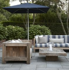 Creative Tonic loves grey stripes on outdoor furniture Modern Outdoor Furniture, Outdoor Rooms, Garden Furniture, Outdoor Gardens, Outdoor Living, Outdoor Decor, Modern Patio, Wood Furniture, Outside Living
