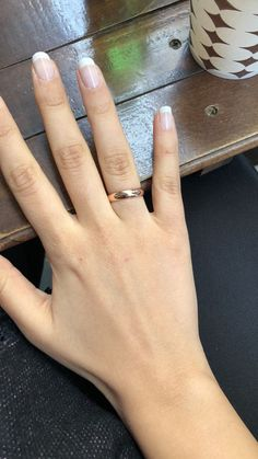 Classic rose gold wedding rings- Classic rose gold wedding rings - The Effective Pictures We Offer You About vintage weddin Vintage Wedding Nails, Fancy Wedding Cakes, Wedding Nails For Bride, Bride Nails, Plain Gold Wedding Bands, Wedding Rings Simple, Wedding Rings Rose Gold, Gold Rings, Vintage Rose Gold
