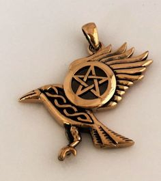 Raven Pentacle Pendant in Gold Tone Bronze   Dark Moon Morrigan Crow Magic Amulet