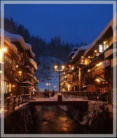 憧れの・・・銀山温泉の雪景色 ③ **雪に包まれた大正ロマンの町並み 夜景編** (銀山温泉)