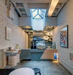 Attractive Small Coffee Shop Design & 50 Best Decor Ideas - Page 13 of 54 Coffee Shop Interior Design, Coffee Shop Design, Cafe Design, Modern Interior Design, Nyc Coffee Shop, Small Coffee Shop, Coffee Cafe, Coffee Shops, Coffee Humor