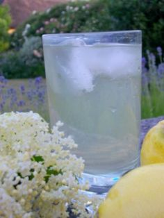 What could be more English than a glass of  homemade elderflower cordial drunk in an English garden in the evening of Midsummer's Day? I picked the elderflowers on Midsummer's eve and bottled them on Midsummer's day. Today is Midsummer's day [...]