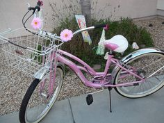 i want a pink beach cruiser soo badly!