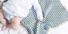 6 patrons pour tricoter une couverture de bébé facilement Merino Wool Blanket, Couture, Kids Rugs, Kit, Tote Bag, Embroidery, Sewing, Knitting, Blog