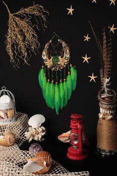 Moon Dreamcatcher, Dreamcatchers, Green Moon, Dream Catcher Craft, Moon Nursery, Bohemian Wall Decor, Hippie Art, Wall Hanger, Wiccan