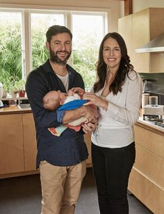 A day after New Zealand's prime minister Jacinda Ardern returned to work , strict rules have been laid down about press intrusion on her daughter Neve. Young Family, Home And Family, Moving To New Zealand, Latest World News, Return To Work, New Job, Family Photos, New Baby Products, Interview