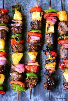 Grilled Hawaiian Steak Kabobs with tender steak, sweet pineapple, and grilled veggies are so easy to make. Summer meals should always be this delicious! Healthy Grilling Recipes, Kabob Recipes, Meat Recipes, Cooking Recipes, Healthy Food, Steak Kabobs, Shish Kabobs, Skewers, Kebabs
