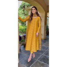 Awesome Dresses, Nice Dresses, Casual Dresses, Fancy Dress Design, Alia Bhatt, Indian Designer Wear, Kurti, Designer Dresses, Cold Shoulder Dress