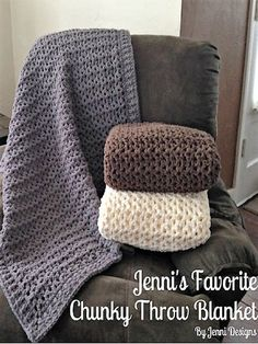 Easy Crochet Afghans Free Crochet Pattern: Jenni's Favorite Chunky Throw Blanket - Now that Christmas is over and I've had a couple days to re-coup, I have the time to share this great blanket pattern with you! I gifted 4 of these this year to family Crochet Afghans, Manta Crochet, Knit Or Crochet, Crochet Hooks, Crotchet, Quick Crochet, Beginner Crochet, Baby Afghans, Crochet Braids