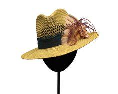 Sombrero Indie Plumas by Marta Bonaque