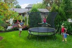 Springfree Trampoline Medium Round with Basketball Hoop & Ladder, Springless Trampoline, Trampoline Reviews, Trampoline Workout, Trampolines, Outdoor Tables, Outdoor Decor, Modern Backyard, Basketball Hoop, Gazebo