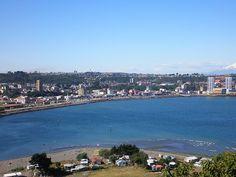 Puerto Montt vist adesde la Isla Tenglo
