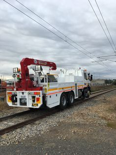 UNIC Truck-mounted crane Truck Mounted Crane, Emergency Vehicles, Heavy Equipment, Cars And Motorcycles, Trains, Australia, Train