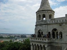 There is a lot to see in Budapest and the Buda Castle is one of the most popular. It offers a world heritage site since 1987 and stunning views of the city.      Take the funicular up