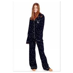 Wildfox Wild Hearts Pajamas Wildfox Wild Hearts Classic Pajamas set size S new in box I never opened them sold out ! No tags our on price was removed No Trades ! Wildfox Intimates & Sleepwear Pajamas