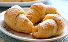 Šlehačkové rohlíčky s ořechovou náplní Pretzel Bites, Sweet Recipes, Cookie Recipes, Hamburger, Sweets, Bread, Cookies, Vegetables, Food