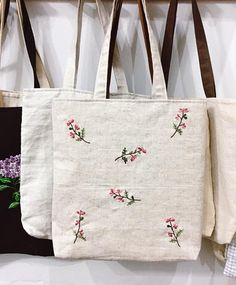 Embroidery Bags, Hand Embroidery Patterns, Embroidery Stitches, Diy Tote Bag, White Tote Bag, Cute Tote Bags, Linen Bag, Fabric Bags, Handmade Bags