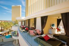 Hotel Deal Checker - Mandalay Bay Resort & Casino