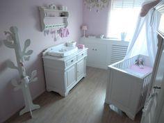mamavanjenthe.nl #nursery #pink #landelijk #wonen #babykamer #roze, Deco ideeën