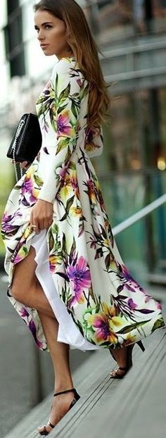 Gorgeous dress. I want to make this with spaghetti straps instead of sleeves