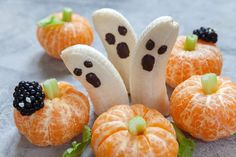 Citrus is acidic and triggers heartburn for many folks. Take a serving of NaturCress before to protect you from citrus goblins. Halloween Themed Food, Halloween Fruit, Dessert Halloween, Halloween Treats For Kids, Easy Halloween, Halloween Themes, Halloween Party, Halloween 2020, Healthy Recipes