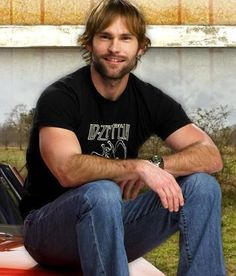 I'll bet that outside the American Pie scene, Seann William Scott is a really nice guy. Or not. Either way, he pulls it off.