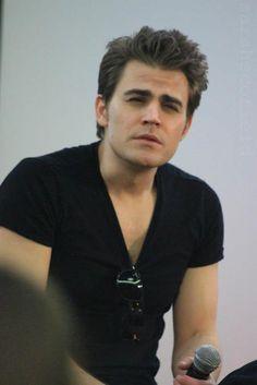 aw, cutie. Paul Wesley - The Vampire Diaries.♥