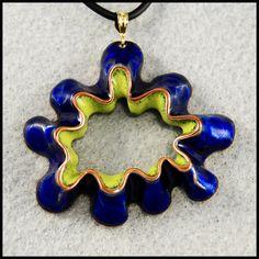 Bilderesultat for enameling foldform Ceramic Jewelry, Enamel Jewelry, Copper Jewelry, Wire Jewelry, Jewelry Art, Homemade Clay, Vitreous Enamel, Pottery Classes, Pendant Design